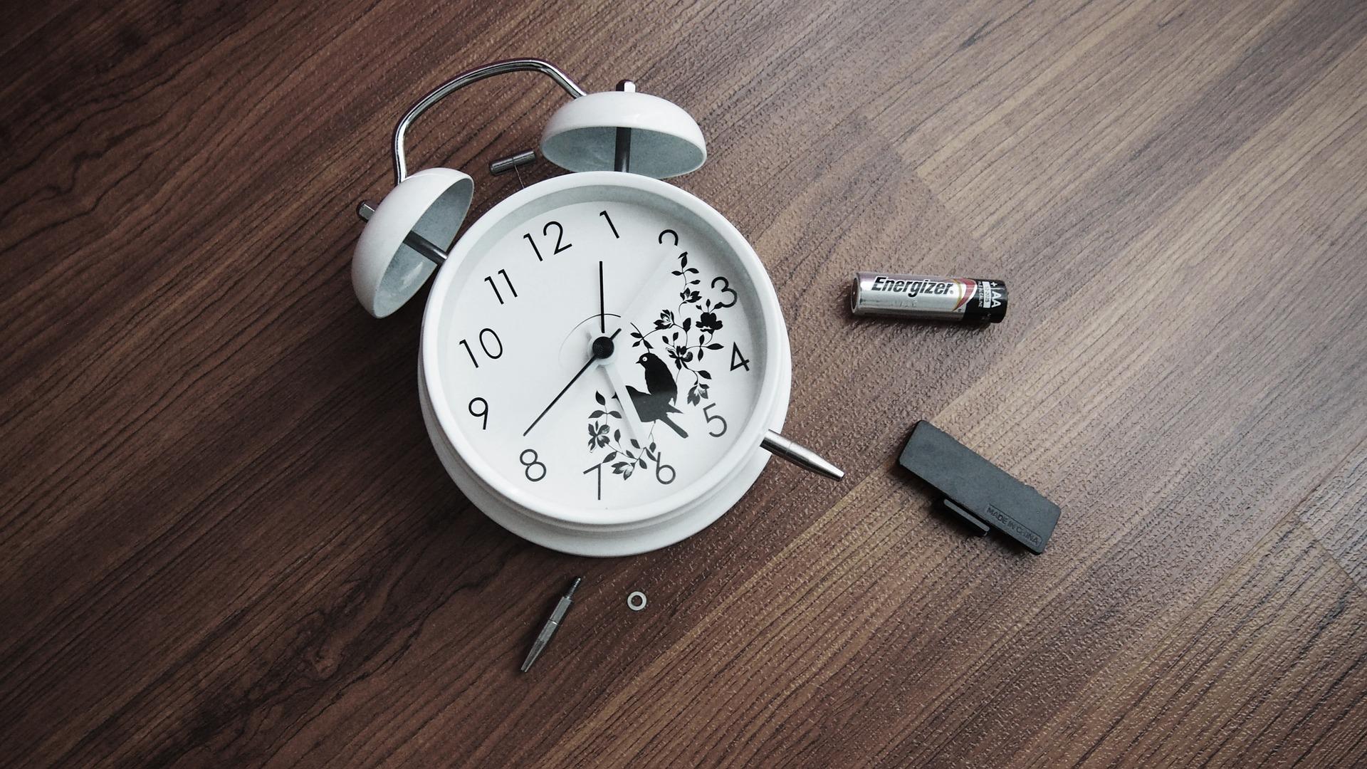 К чему разбить часы по народным приметам